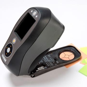 Spectrofotometru portabil 400-700 nm